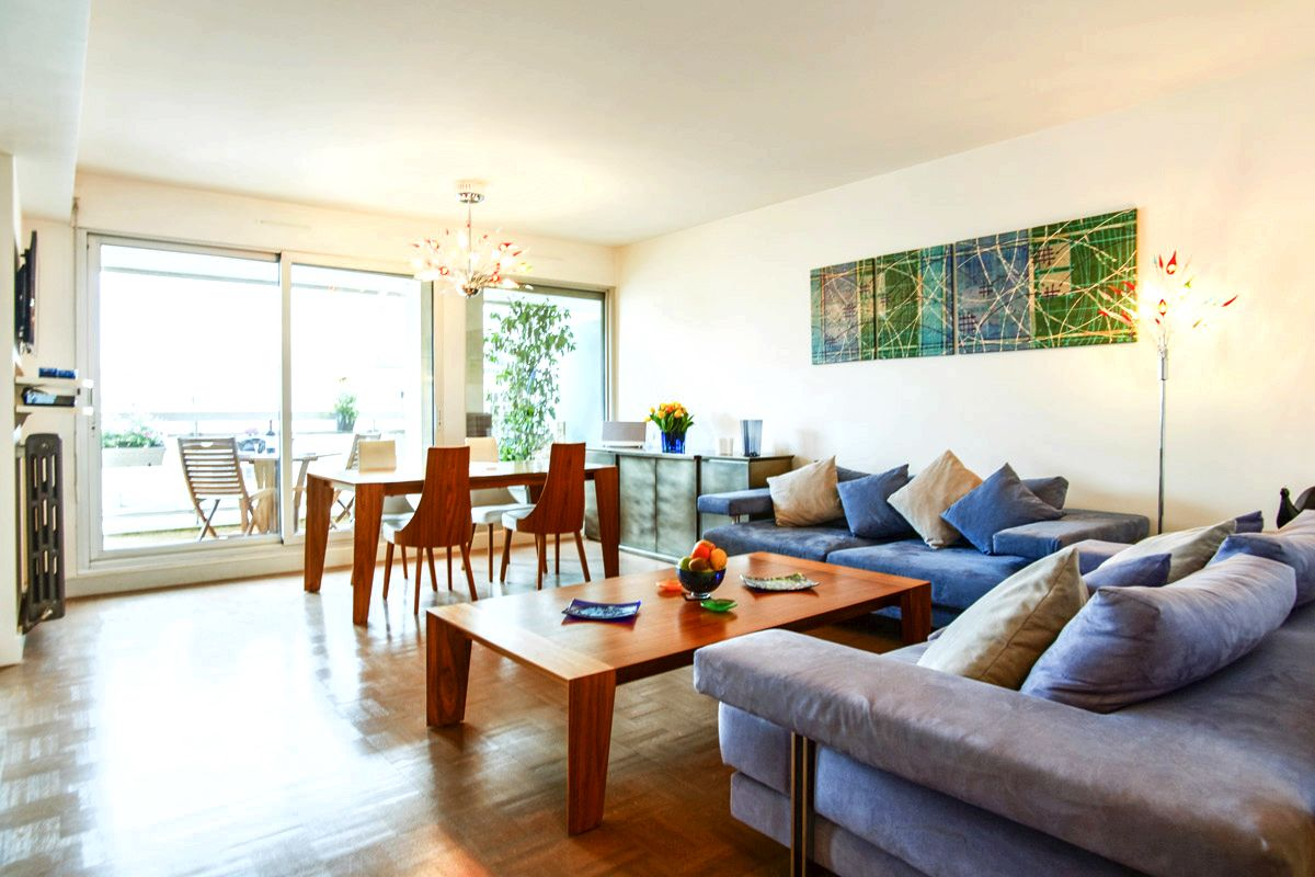 Paris vacation holiday apartment rentals, temporary flat rentals our highlights were the Rue