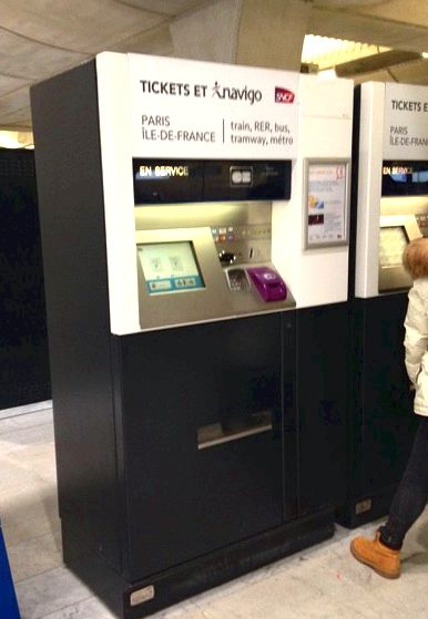 RER vending machines at CDG airport